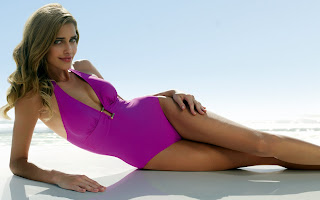 Ana Beatriz Barros looks incredible in a bikini