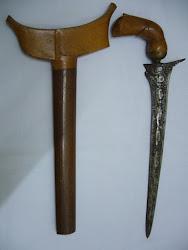 """Keris65. Lurus. Pamor. Blade/Length: 12.2""""/15.25""""."""
