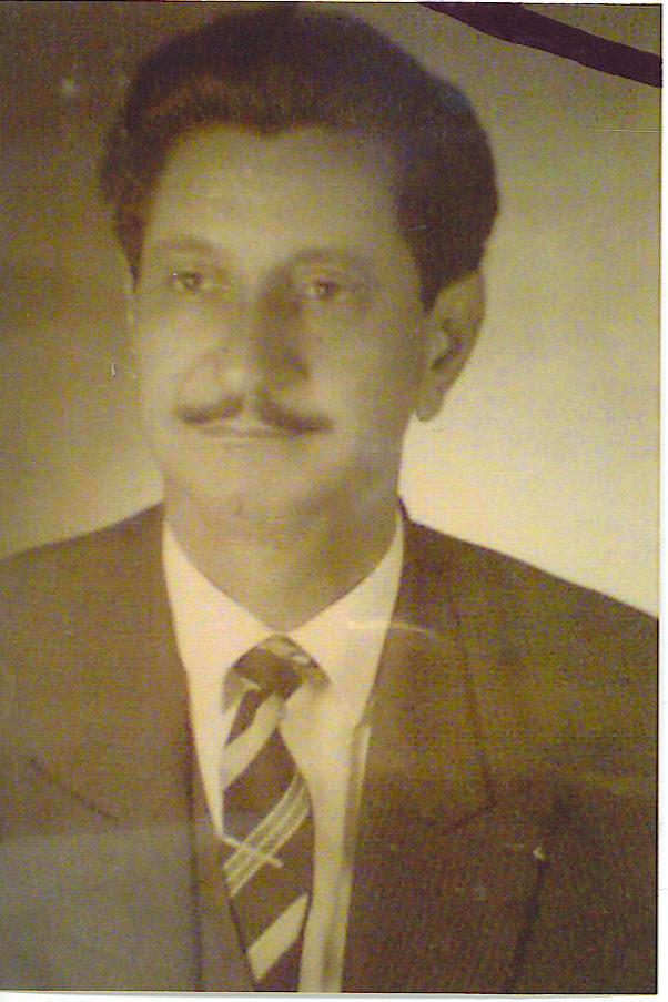 (1968)وفاء مني اضع صورتك للتتوج صفحتي ياسيدي ووالدي العزيز.