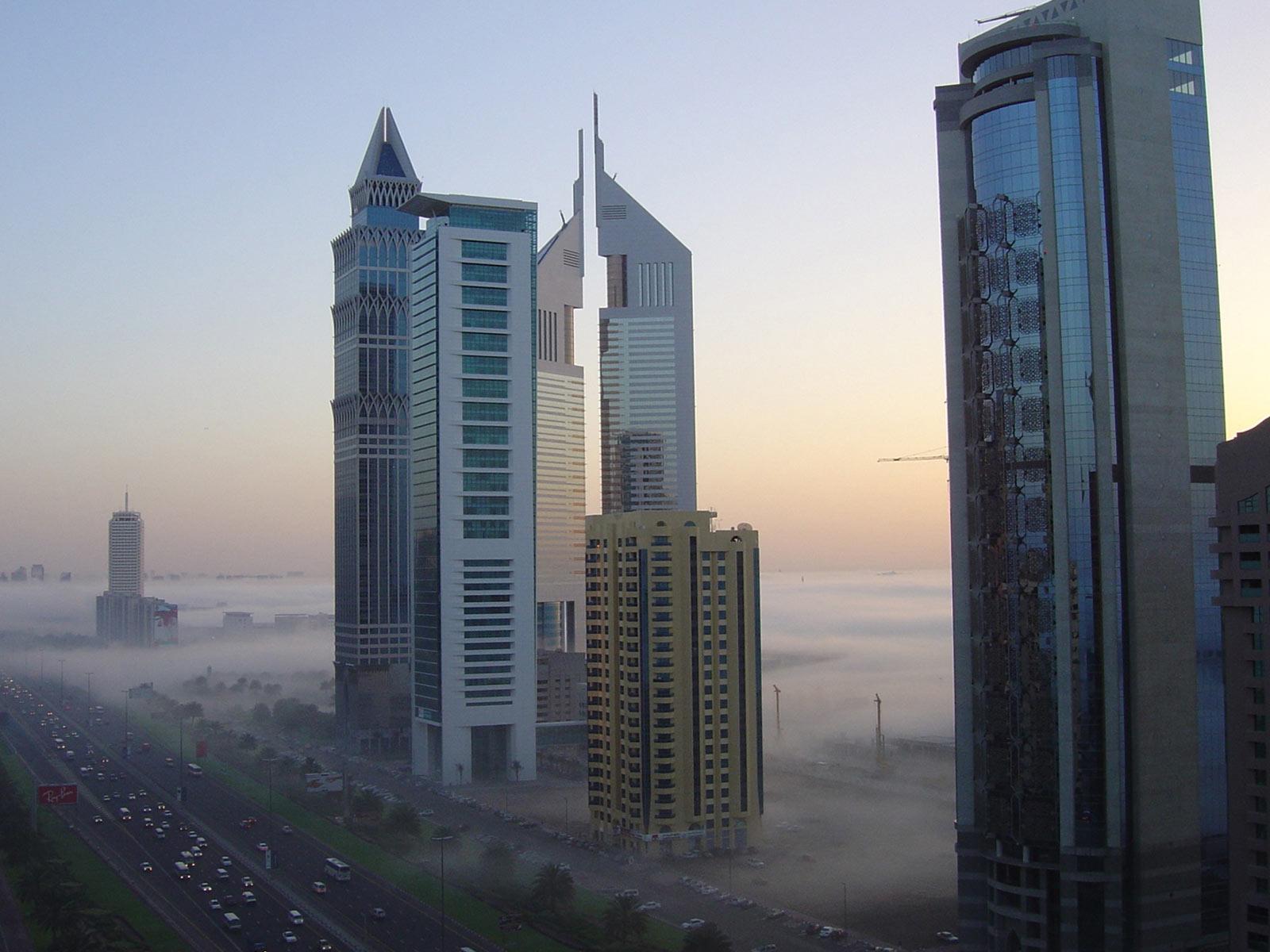 http://4.bp.blogspot.com/_xZgoPcH-q44/TNPh02wpqhI/AAAAAAAAAHA/kvk8RnH5iJg/s1600/Hotels_Dubai.jpg