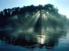 Svitanje, rađanje dana nam dokazuje postojanje zlatnoga reza u prirodi.
