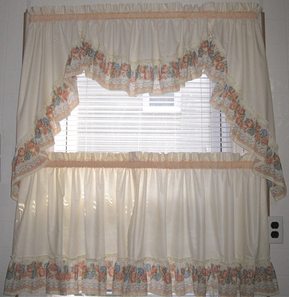 Merveilleux Ruffled Tier Kitchen Curtains In Peach And Cream