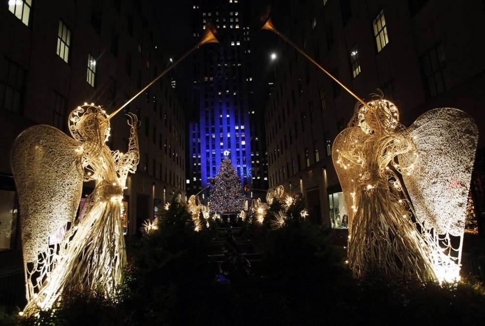 Christmas Lights around the world - Fun Crawler: Christmas Lights Around The World
