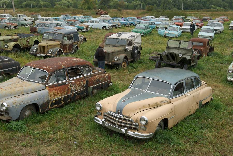 Fun Crawler: Pasture for Vintage Cars