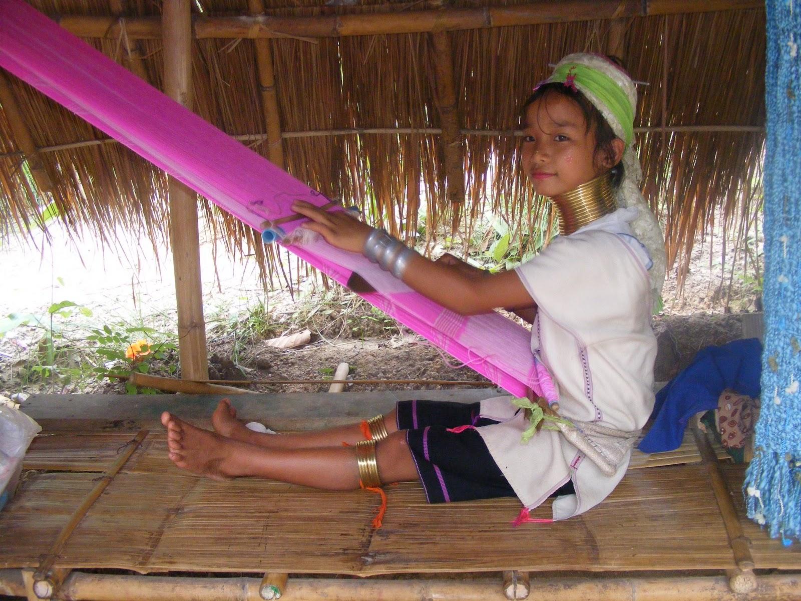 http://4.bp.blogspot.com/_xbp4Gp3yJRg/TPLxCW_UUjI/AAAAAAAAAC8/RcePSuTFlv8/s1600/Karen+girl.jpg