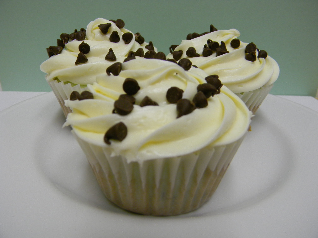 Brandy's Creations: Mint Chocolate Chip Cupcakes
