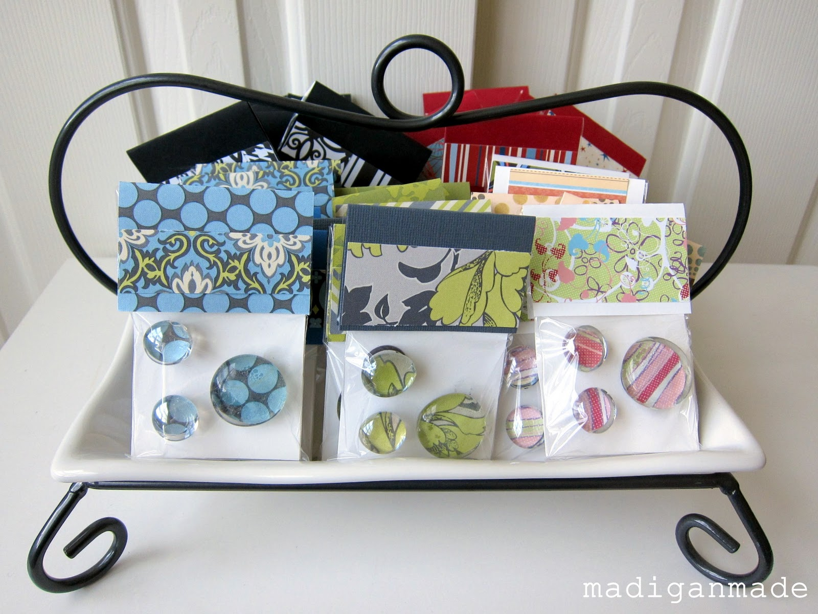 Make A Quick Gift Glass Gem Magnets Rosyscription