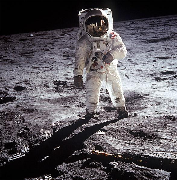 neil armstrong in spacecraft - photo #23