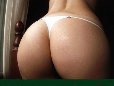 cola perfecta en tanga blanca hot