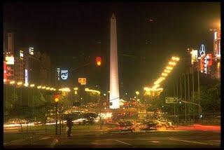 tour nocturno, obelisco buenos aires argentina, año 2009