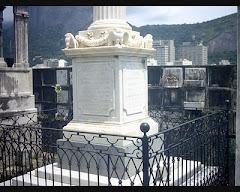 O túmulo de Álvares de Azevedo