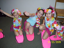 girls backstage at recital