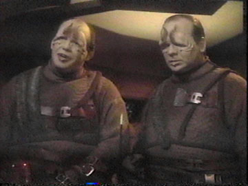 Star+Trek+TNG+Season+2+Episode+17+Samaritan+Snare+Pakleds.jpg