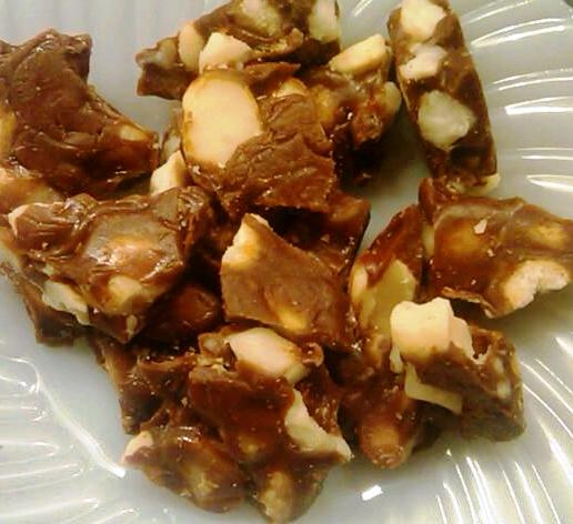 A Cake Bakes In Brooklyn Macadamia Nut Toffee The Crack