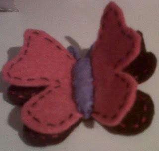 Broche de fieltro mariposa