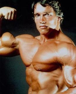 Arnold Schwarzengger posing