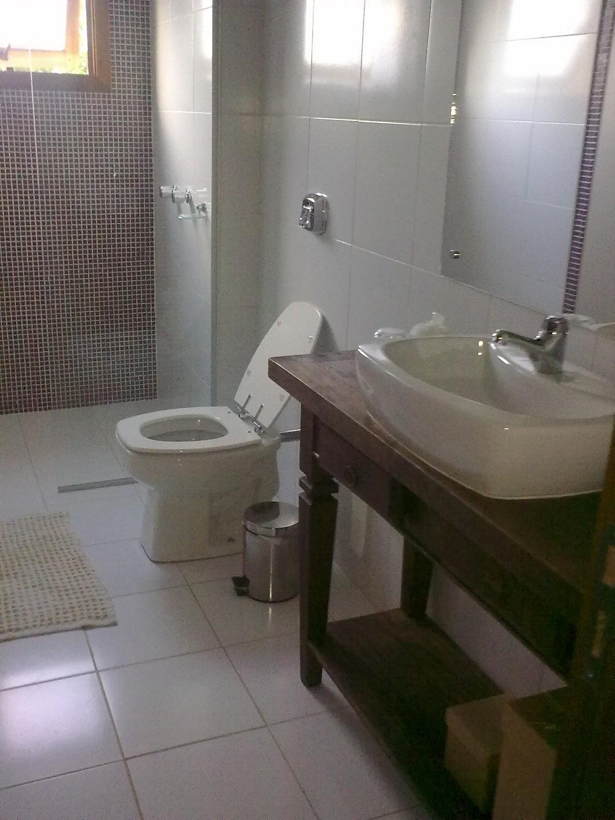 antigos provençais ou de móveis de demolição podem fazer #2E2A1D 1200x1600 Arquitetura Para Banheiro