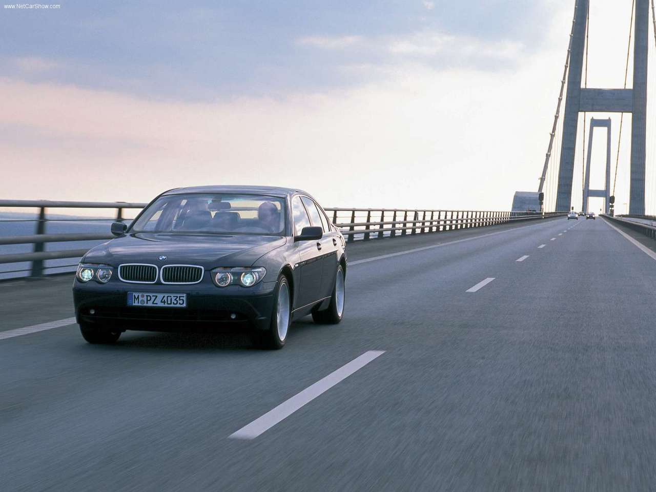 http://4.bp.blogspot.com/_xhqjRo6NERQ/S68ecJ6O6AI/AAAAAAAAGZ0/nwZxqw2fbjU/s1600/BMW-740d_2002_1280x960_wallpaper_01.jpg