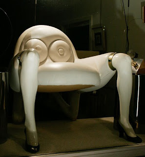 [Gambar: Unusual_Chairs_2.jpg]