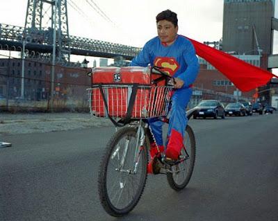 Pekerjaan Sampingan Para Super Hero
