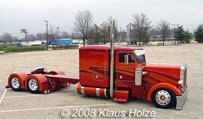 Tricked Out Semi Trucks http://truckandvancar.blogspot.com/2010/11/culmination-of-semi-truck-industrys.html