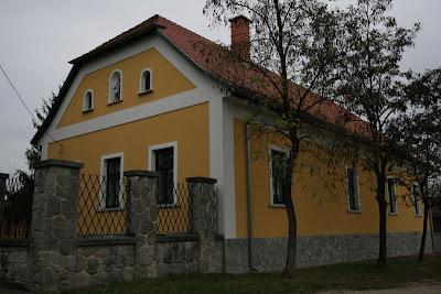 pilisvorosvar-daily-photo-plebania