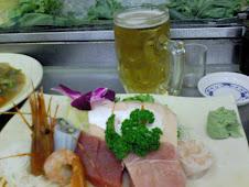 美觀園特上生魚片與生啤酒等共4枚特寫