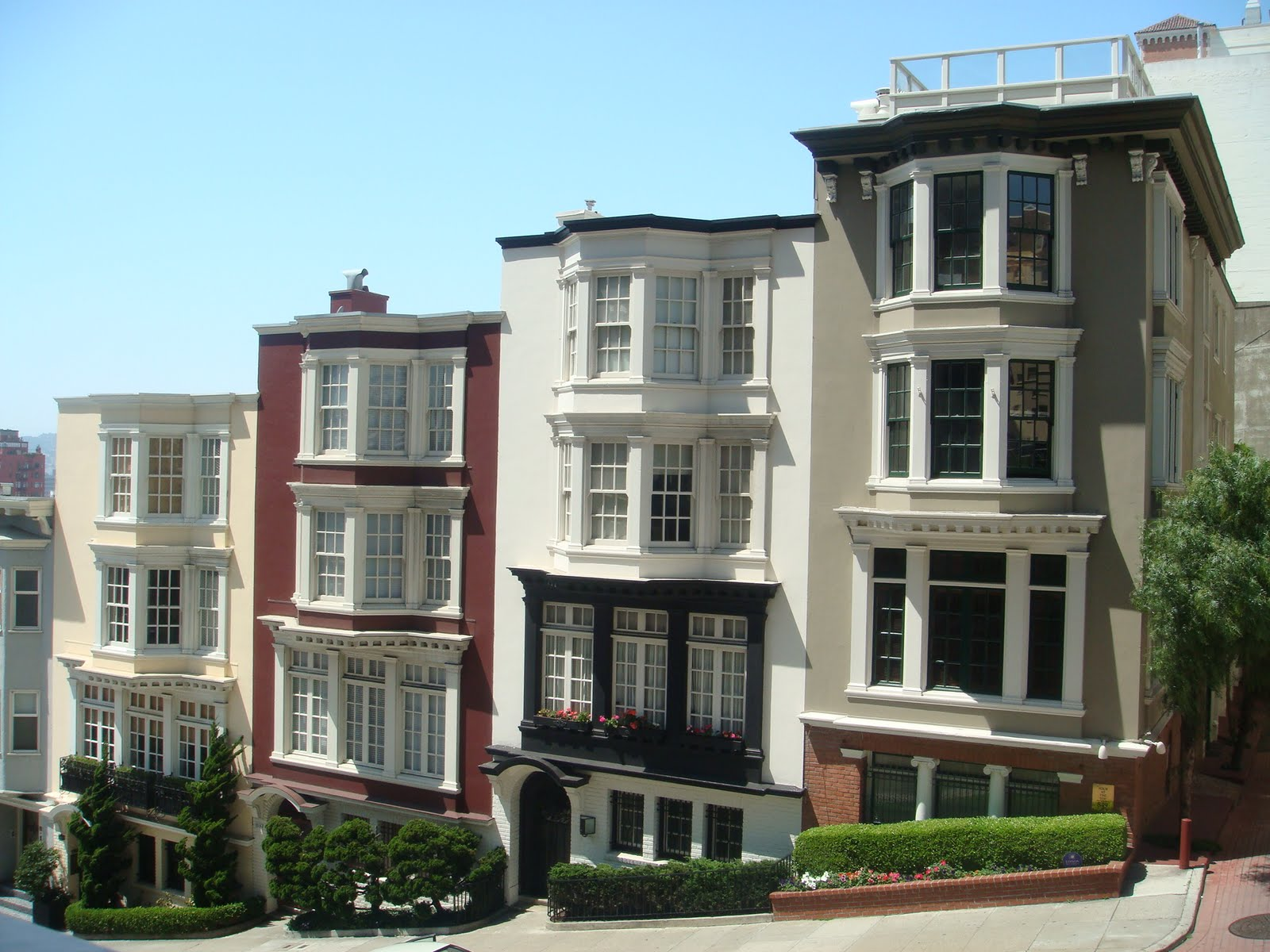 The chicago real estate local row homes at howe and for Houses in san francisco