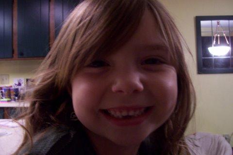 [Hayley+Grace+minus+2+teeth]