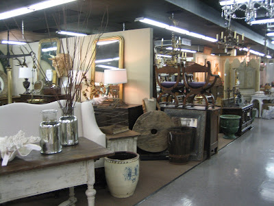 Now Thats What I Call An Antique Mall It Is Over 9000 Square Feet With More Than 45 Dealers And Decorators Their Own Vignettes