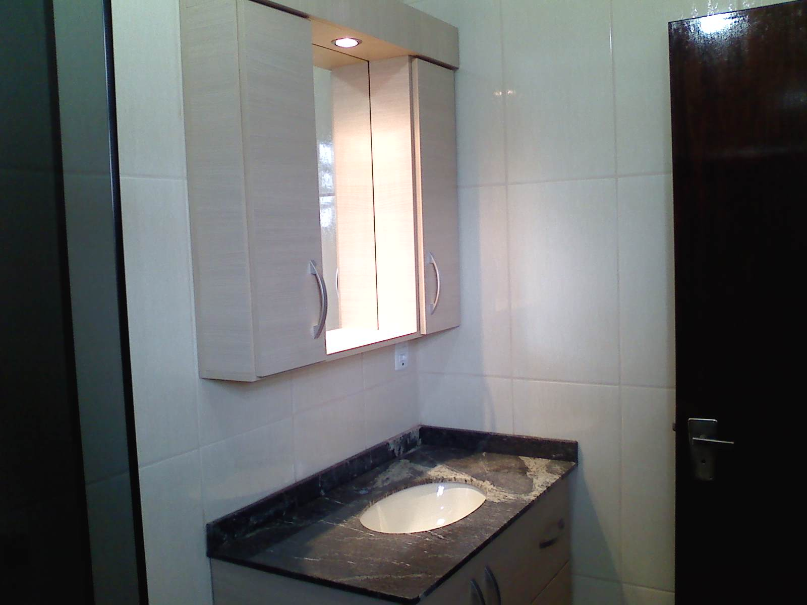 Brodt Tudo em Móveis Sob Medida: Armário Aéreo e Balcão de Pia #796252 1600x1200 Balcao Banheiro Com Espelho