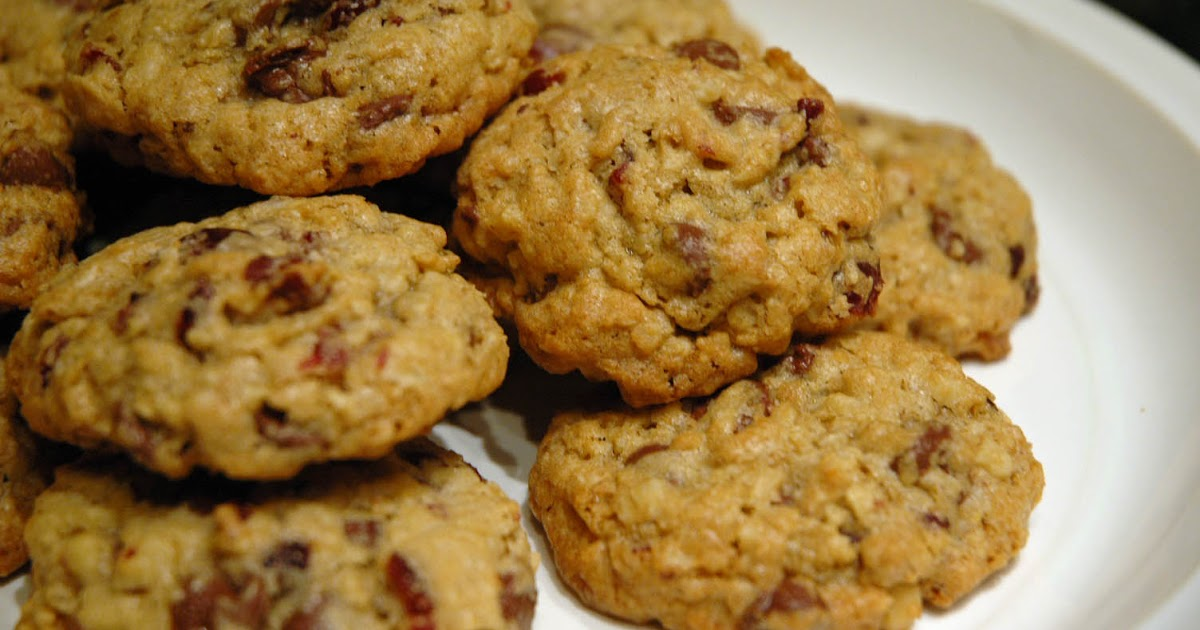 Starting to Simmer: Cranberry & Oatmeal Chocolate Chip Cookies