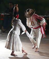 Hoyito - Trajes morropanos