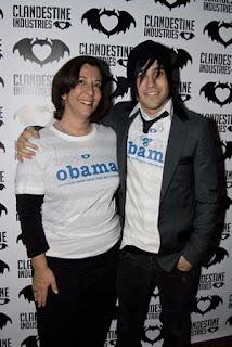 Pete Wentz hosts fundraiser and sports designer tee shirt for Barack Obama