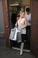 Hilary Duff shops in Los Angeles as boyfriend Mike trails behind - Photo courtesy of Hollywood Dirt
