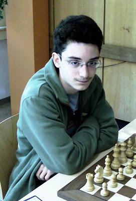http://4.bp.blogspot.com/_xr6x9AeyLiA/TVUQq8fIKRI/AAAAAAAACGM/K13ZLcxuCjE/s1600/fabiano-luigi-caruana.jpg