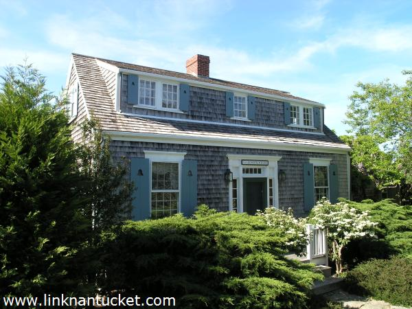 D cor de provence needing a little nantucket style for Nantucket style house