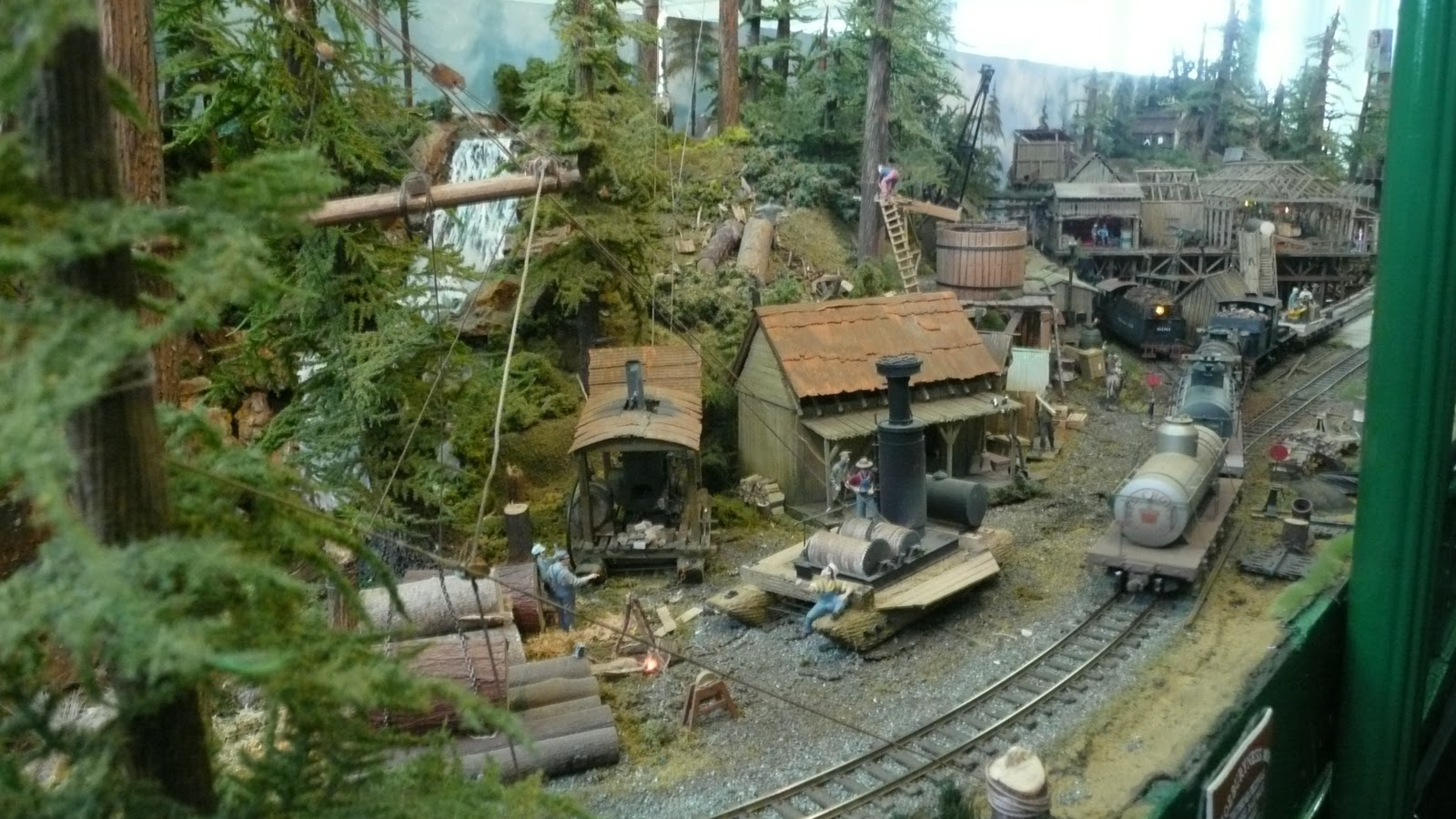 Ho scale logging railroad