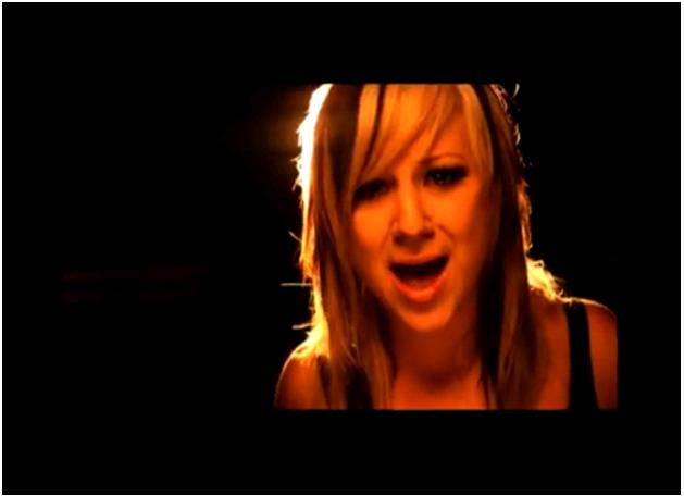Jen Ledger. sory tre' cool. minah ni favourite drummer aku skrg.. nama minah
