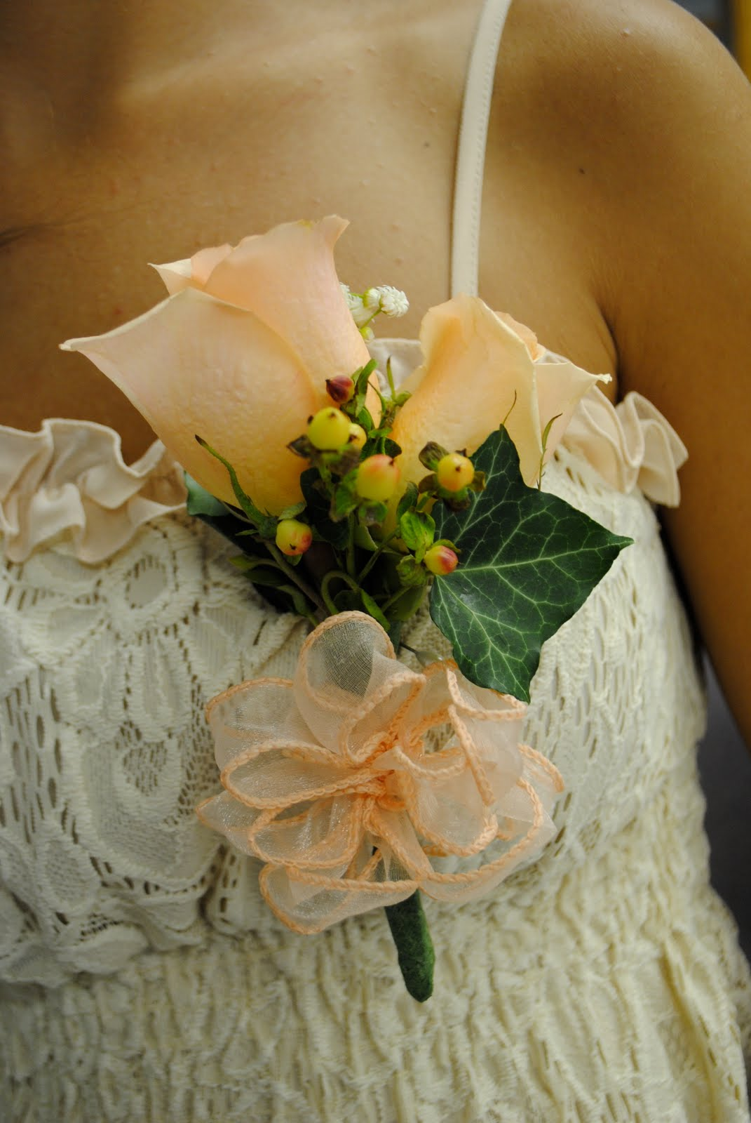 Two Shakes Of A Lamb S Tail Peach Wedding Flower Arrangements