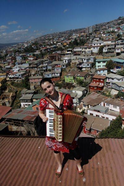 Pascuala Ilabaca junto a Trinacrio ganan el Premio del Público del Festival del Videoclip Chileno