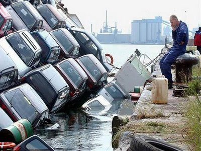 sinking cars funny photo