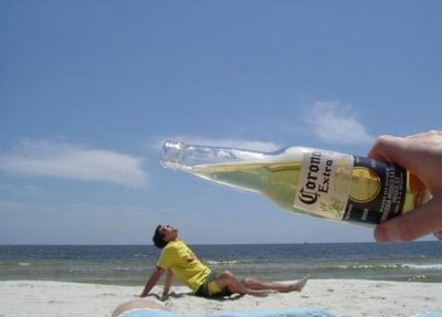 funny-beach-photos-corona-big-bottle (image)