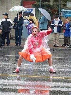ผลการค้นหารูปภาพสำหรับ funny in the rain