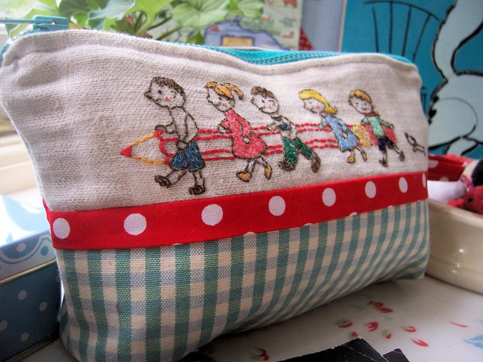 Bustle and Sew: Back to School - free pattern for you