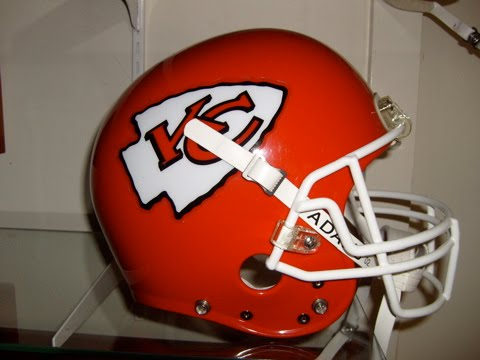 [Chiefs+Helmet1]