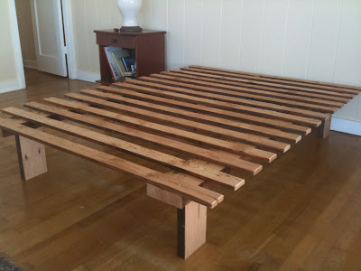 How To Make A Platform Bed Frame With Legs, Jun... - Amazing Wood ...