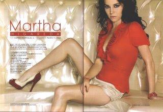 Martha Higareda Semi Desnuda