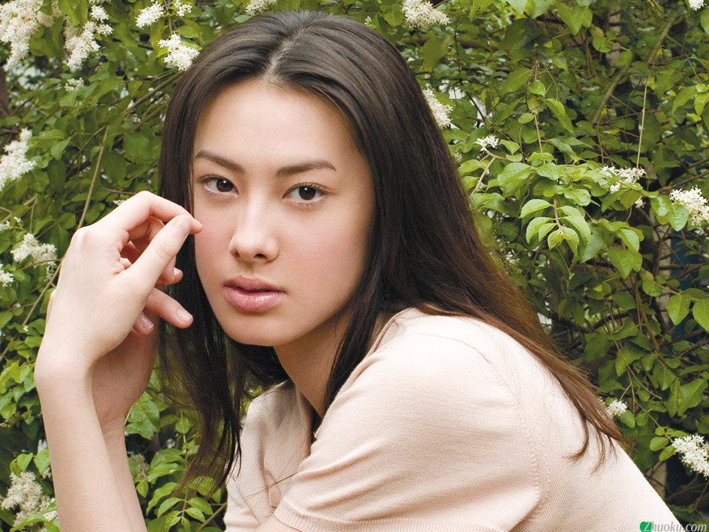 Isabella Leong - Photos Hot