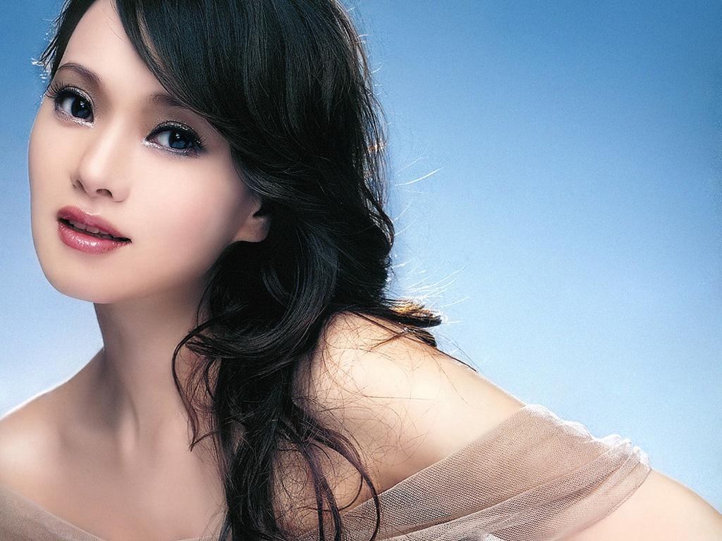 Shizuka Inoh (Annie Yi)